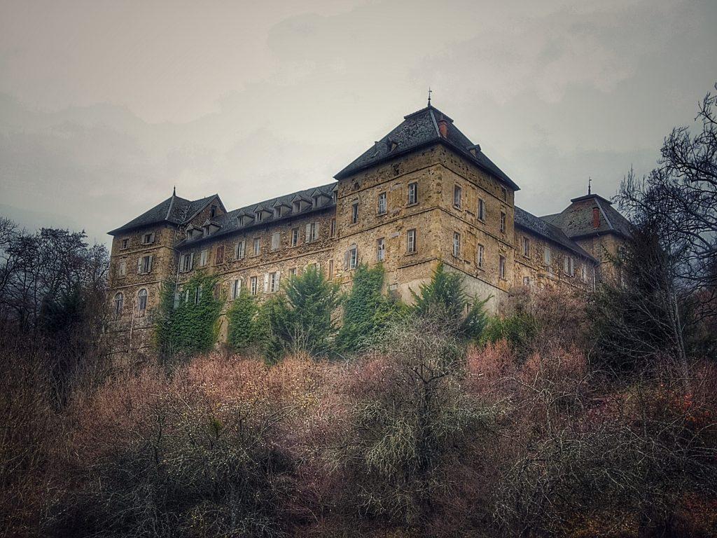 chateau abandonné hélix