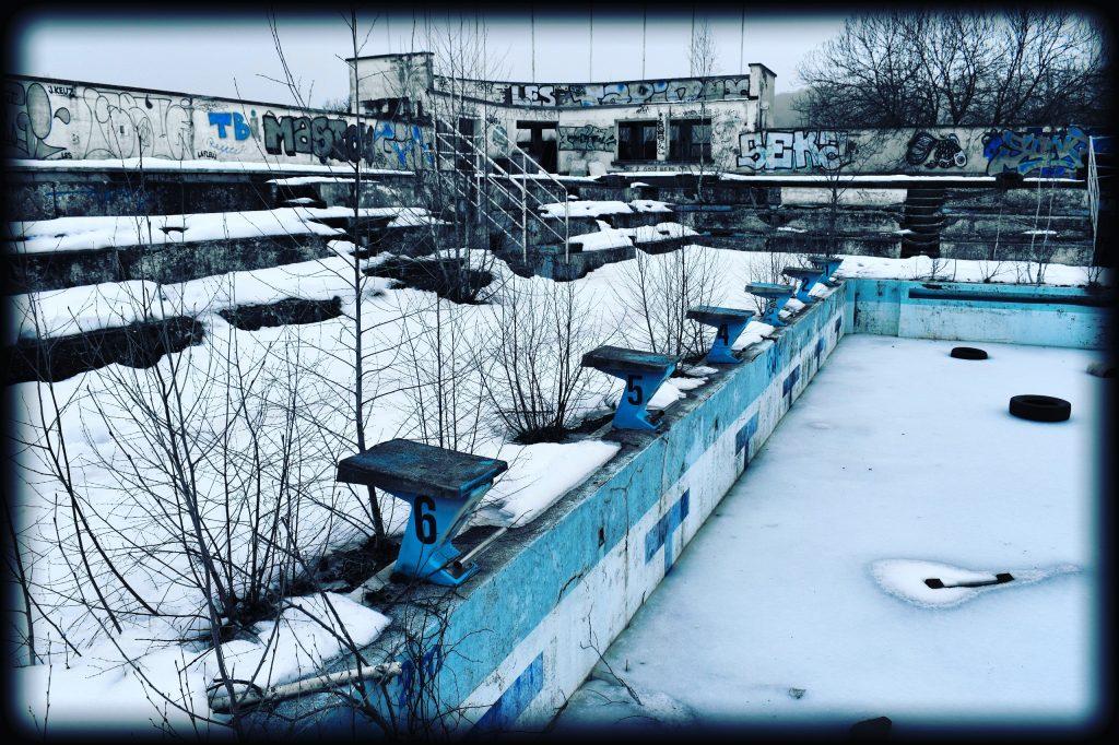 piscine olympique abandonnée